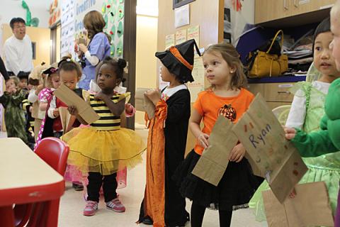 Halloween na escolinha da Julia em 2010