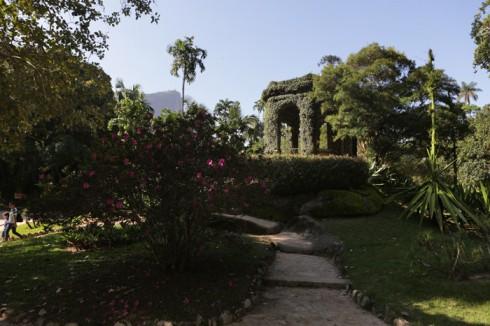 Coreto coberto por hera no Jardim Botânico