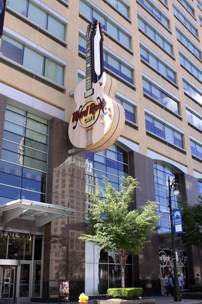 A rede Hard Rock Café tem uma filial em Detroit