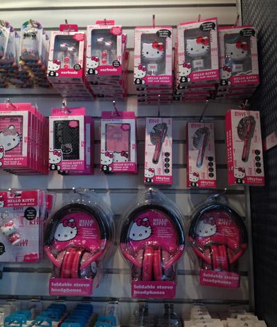 Headphones e acessórios da Hello Kitty na Tech for Takeoff