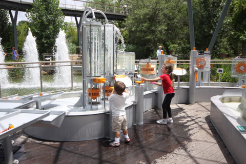 Hora de se molhar no Rory Meyers Children's Adventure Garden, em Dallas