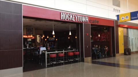 Hockeytown café no Terminal Norte do aeroporto de Detroit