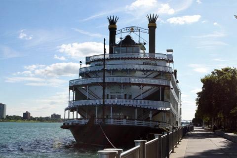 O Detroit Princess parece um antigo barco do Mississippi