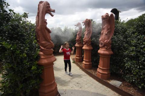 Julia no labirinto, se refrescando