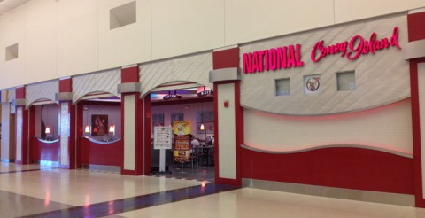National Coney Island, tem nos dois terminais do aeroporto de Detroit