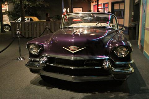 O Cadillac roxo, Elvis tinha que ser diferente