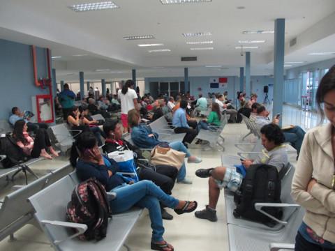 Olha só quanta gente esperando pra viajar nos teco-tecos