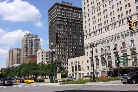 Washington Blvd (o prédio a direita é o hotel Westin)