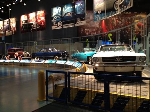 Carros antigos na Ford Rouge Factory