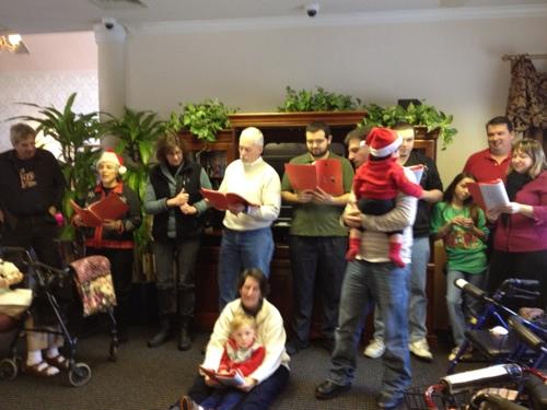 Cantando Musicas de Natal – Christmas Caroling