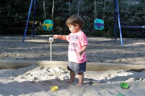 Eric é apaixonado por areia!