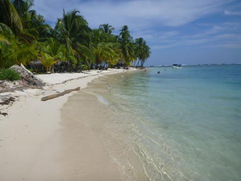 Andando pra outra ponta da ilha Iguana