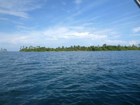 O cenário é sempre esse em San Blás, ilhas e mais ilhas com coqueiros