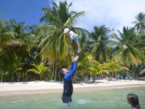 Eric voando na Ilha Iguana em San Blás