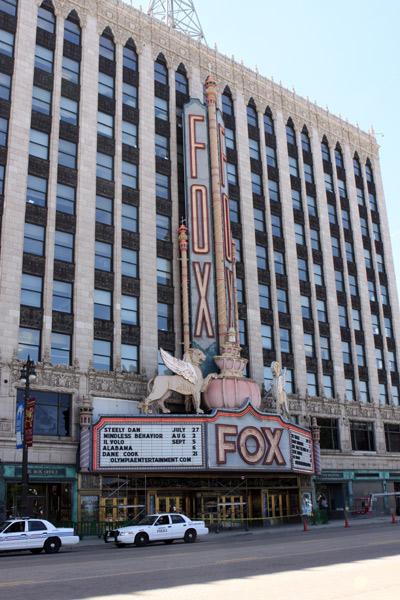 O Fox Theatre é o teatro mais famoso da cidade
