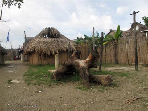 Comunidade Kuna de Playón Chico - a maioria das casas é tradicional