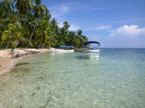 Estacionamento de barcos na ilha Arridup