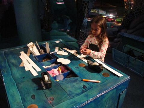 Julia em ação no Hallmark Kaleidoscope