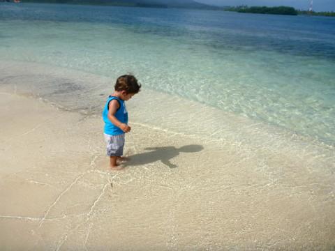 Eric brincando com as ondinhas