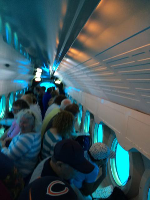 Dentro do Submarino que o meu marido foi com o João e o meu sogro