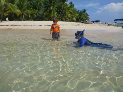 Eric na ilha Arridup, em San Blás, Panamá