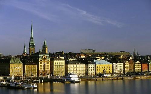Gamla Stan, a cidade velha de Estocolmo, Suécia. Foto de Max Anderson.