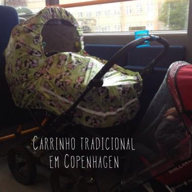 Carrinho típico que a gente via em Copenhagen, no ônibus (e o nosso ali do lado bem menor!)