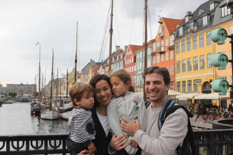 Nós em Nyhavn, Copenhagen, Dinamarca