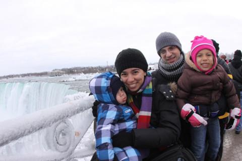 Vendo as Cataratas do Niágara no inverno de 2012