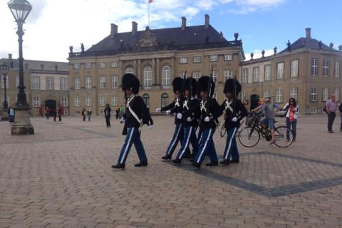 Guarda real no Palácio Amalienborg
