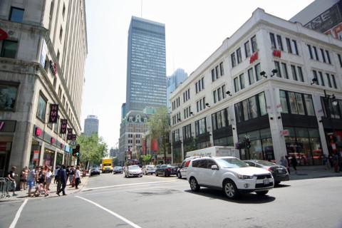 Andando por Montréal no verão