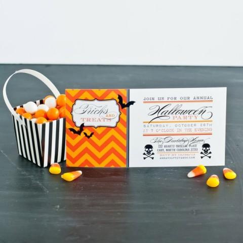 Mais chevron e design moderno nesses convites de Halloween