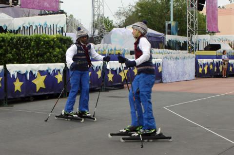 Tem esquiadores também, claro