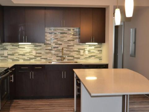Outro ângulo da cozinha do apartamento modelo