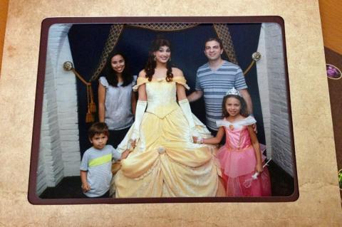 Nossa foto de família com a Bela na chegada ao Akershus