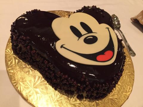 O bolo do Mickey que encomendamos pra Julia