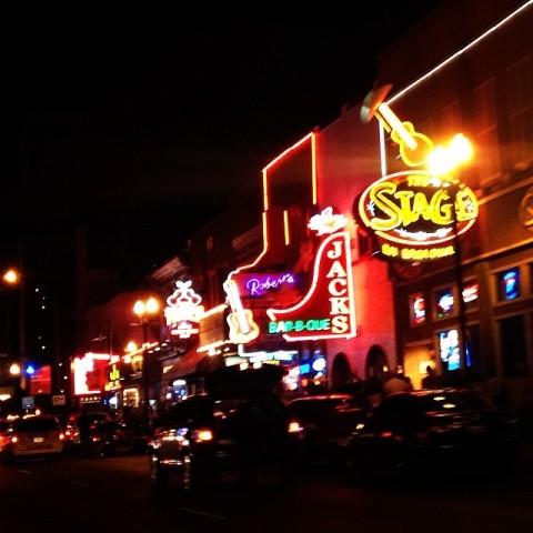 A Broadway de Nashville: tem música dia e noite