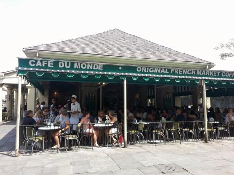 O Cafe du Monde é o mais famoso de New Orleans com os seus beignets