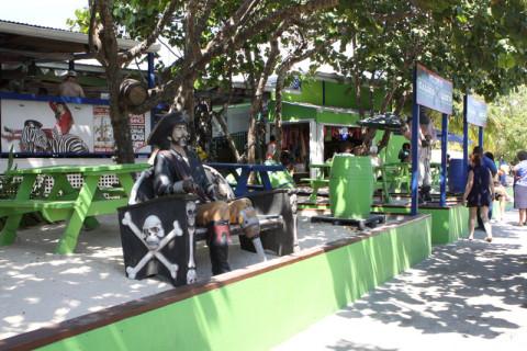 Chegando ao Calico Jacks em Grand Cayman