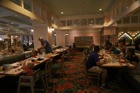 Interior do Cape May Cafe no Disney Beach Club Resort