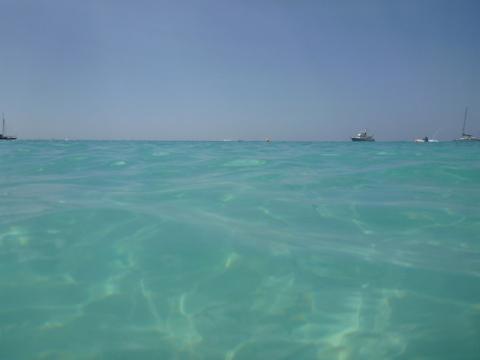 Carlisle Bay em Barbados sem filtro, a água mais incrível