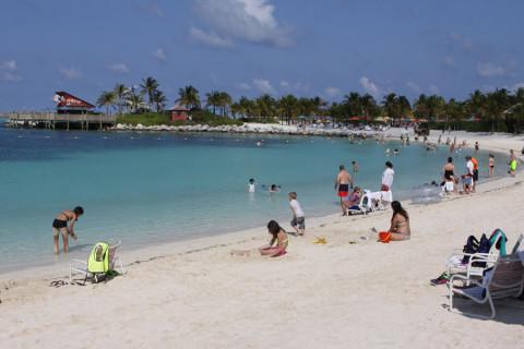 Uma das praias de Castaway Cay, a ilha da Disney