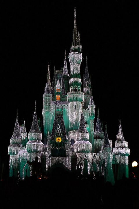 O Castelo da Cinderela fica ainda mais lindo no Natal