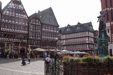 Chegando a Romerberg em Frankfurt