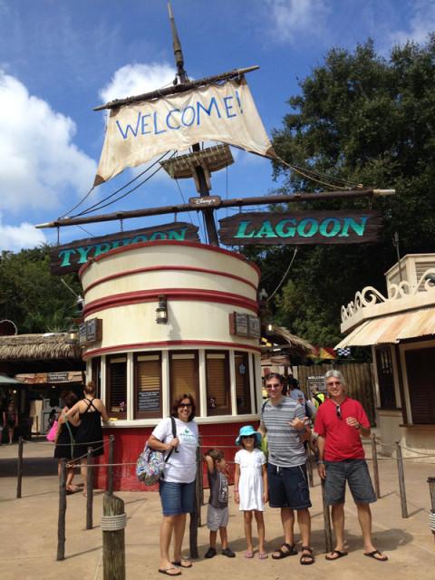 Chegando ao Disney's Typhoon Lagoon, o parque aquático do tufão
