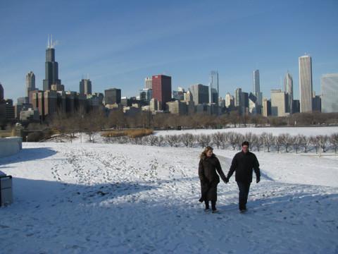 Passeando com o skyline de Chicago ao fundo