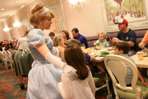Cinderela chegando na nossa mesa no 1900 Park Fare