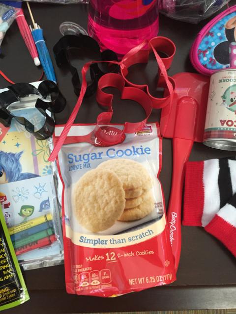 Sugar Cookie mix e cookie cutters que ganhamos no fish extender