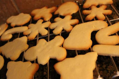 Os cookies de Natal recém saídos do forno