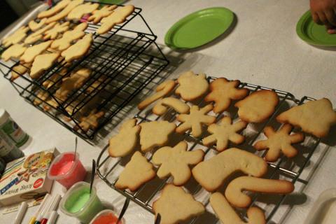 Os cookies prontos para serem decorados